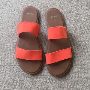 Sanuk slides